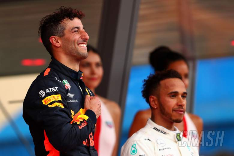 F1: Daniel Ricciardo, Lewis Hamilton, Red Bull, Mercedes, F1,