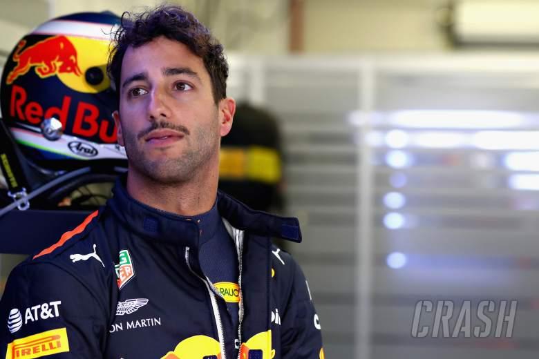 F1: Ricciardo frustrated by Mercedes and Ferrari F1 snubs