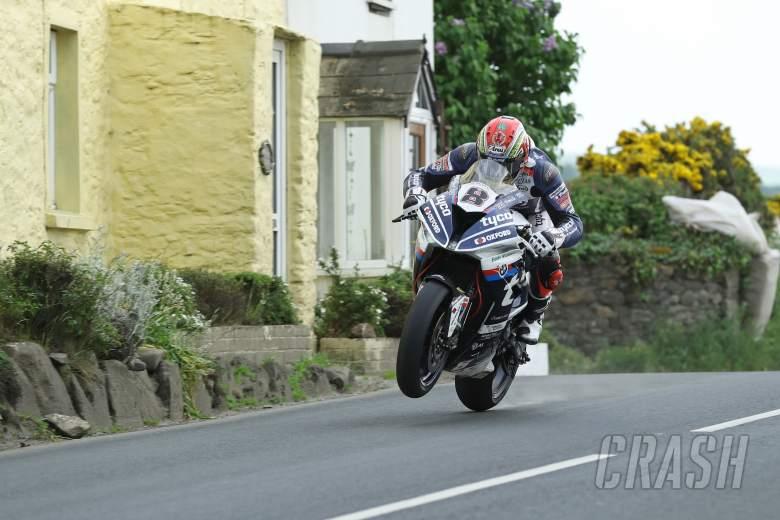 Isle of Man TT, - TT 2018: Dan Kneen killed in practice
