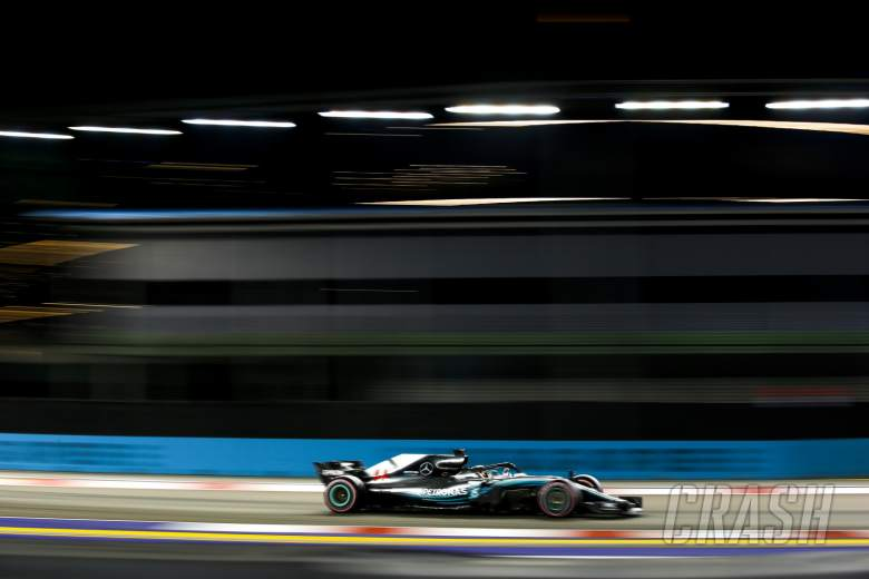 F1: Hamilton takes controlled Singapore win, pulls 40 points clear