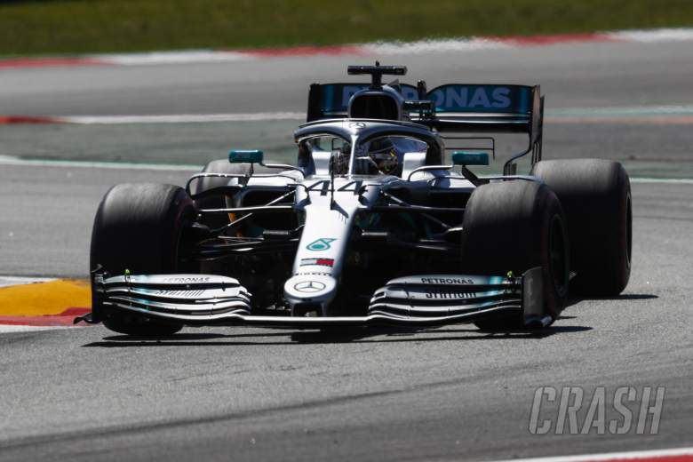 """Hamilton wants """"more physical"""", harder to drive F1 cars"""