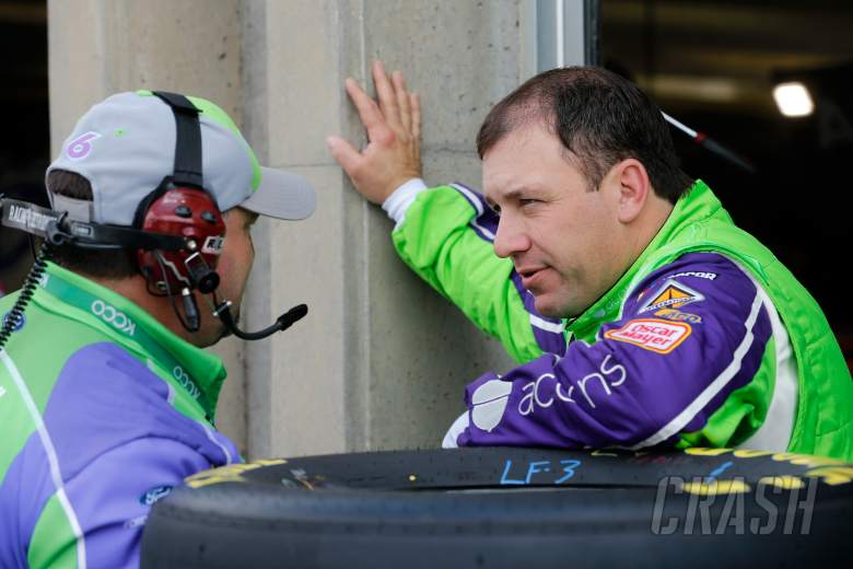 Fireworks erupt on pit road between Bowyer and Newman