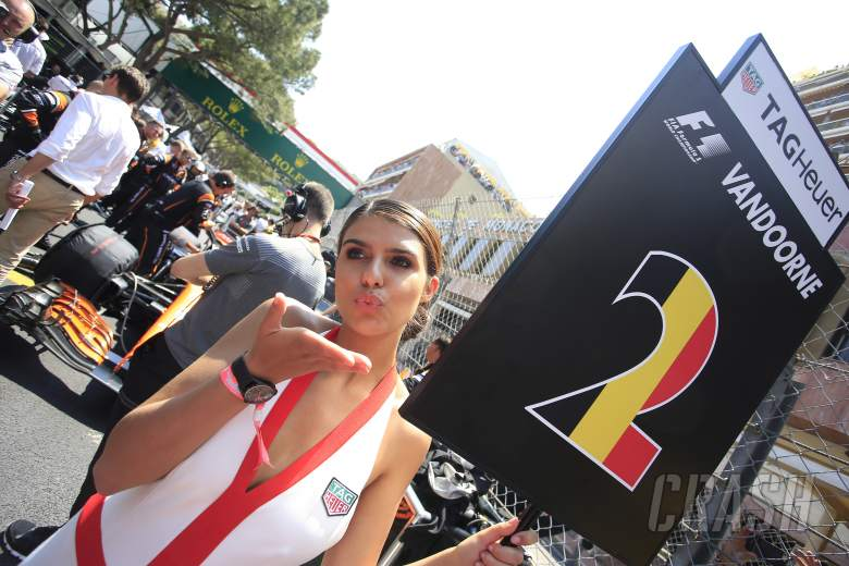 F1: Monaco GP, grid girls,