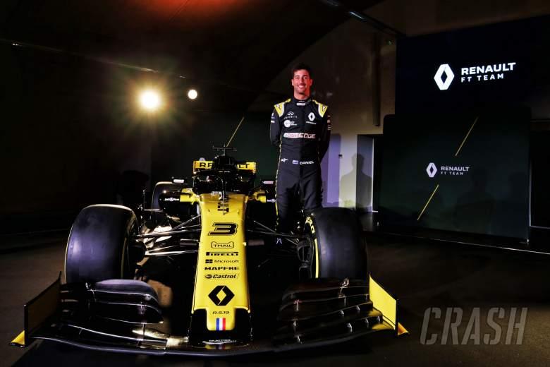 F1: Ricciardo completes first Renault F1 run
