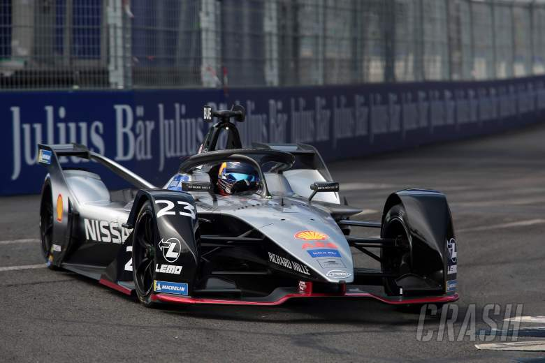 Buemi wins lights-to-flag, Vergne clashes with Massa on final lap