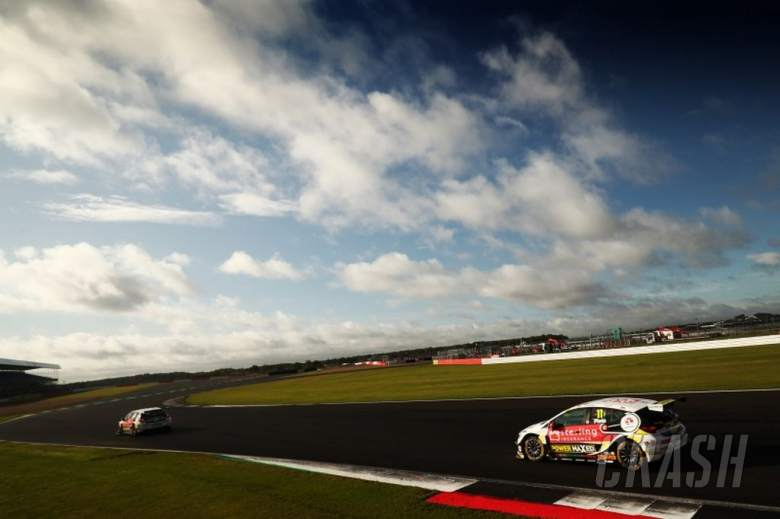 Plato completes practice double at Silverstone