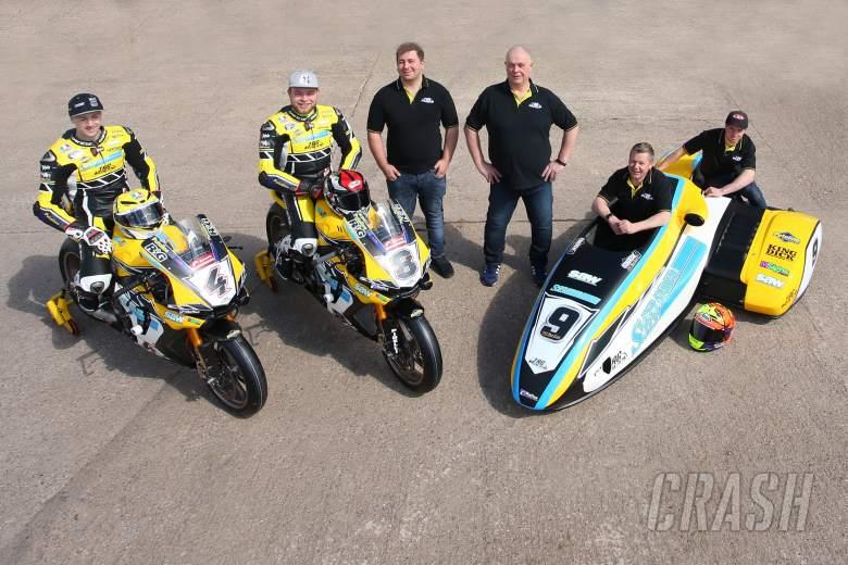 British Superbikes: Dan Linfoot, Shaun Winfield, Chris Walker, Santander Salt TAG Racing,