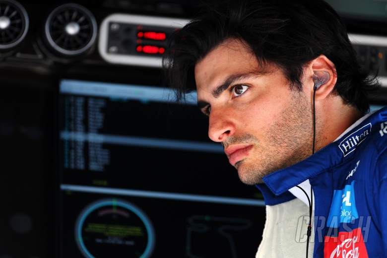 Ferrari signs Sainz as Vettel's replacement for F1 2021