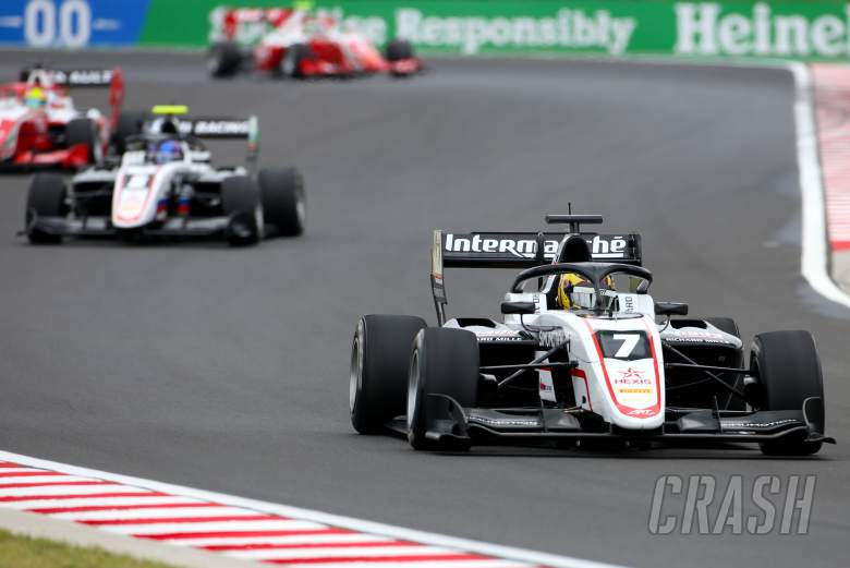 Pourchaire dominates hectic F3 opener in Hungary