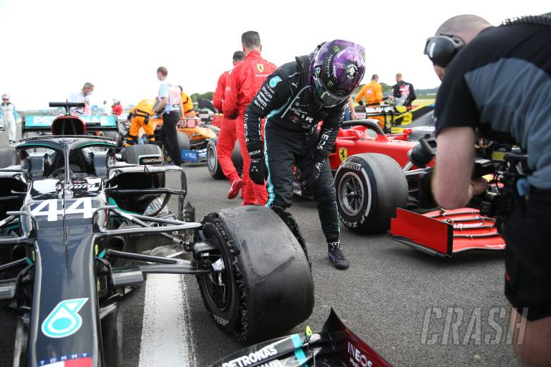 """Hamilton's """"heart nearly stopped"""" after last-lap F1 puncture"""