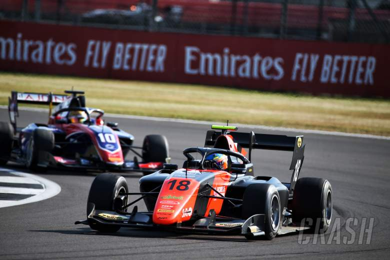 Viscaal beats Zendeli to maiden F3 win on final lap