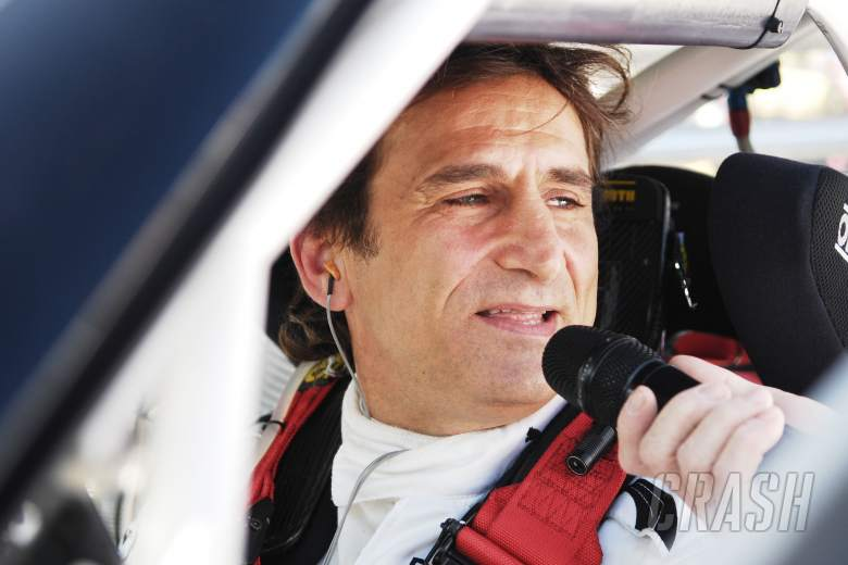 Ex-F1 driver Zanardi to stay in induced coma after crash
