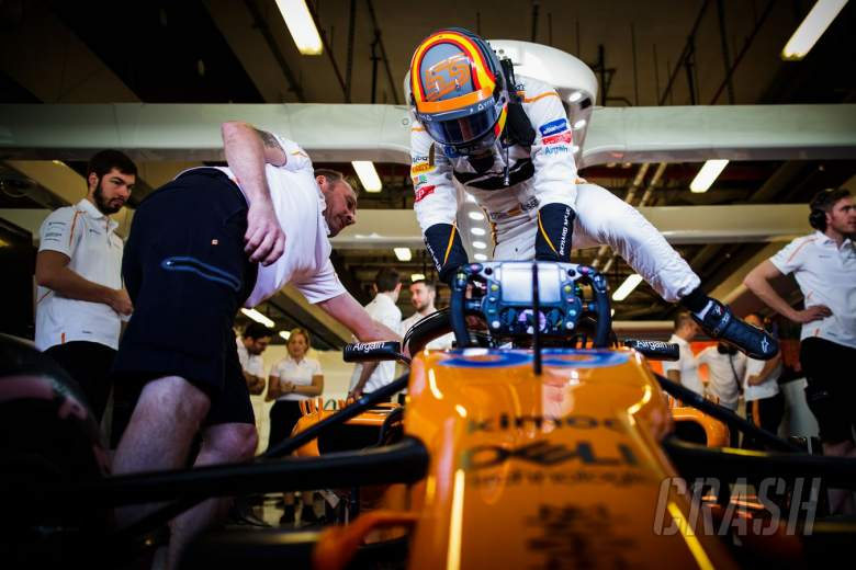 F1: Sainz has 'a lot to analyse' after Abu Dhabi McLaren F1 test