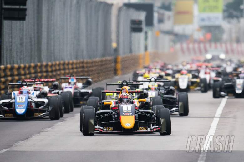 F3: Ticktum sweeps to dominant Macau F3 qualifying race victory