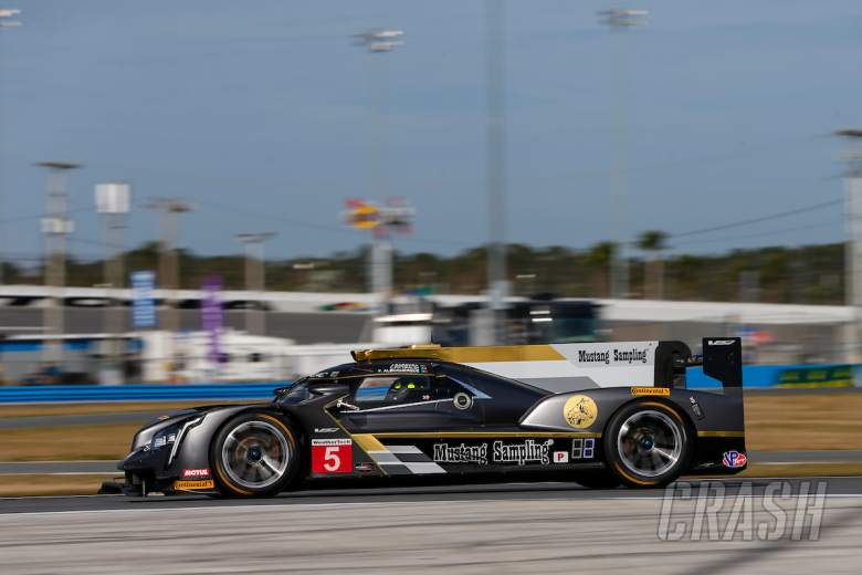 Sportscars: Albuquerque leads after first hour at Daytona, Alonso 14th
