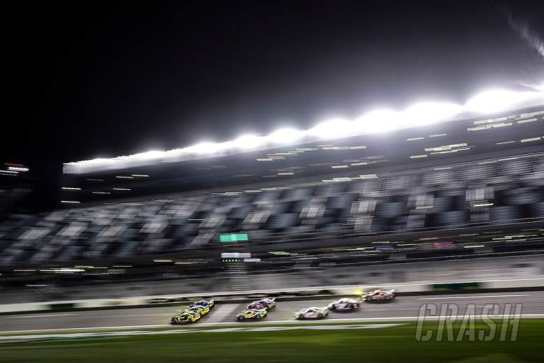 Sportscars: Rolex 24 red-flagged due to rain, Alonso leads