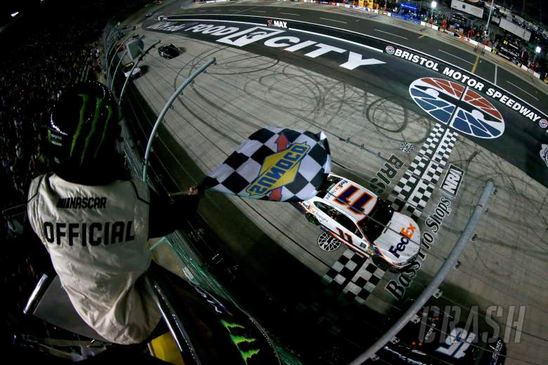 Denny Hamlin outduels Matt DiBenedetto for Bristol night race victory