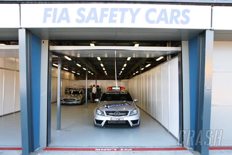 , - Mercedes Benz Safety Car