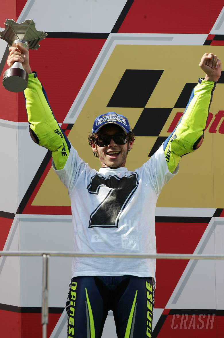 Rossi with 7 world titles t-shirt, Malaysian MotoGP race, 2005