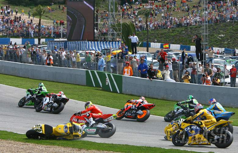Rossi`s turn one crash, Spanish MotoGP, 2006