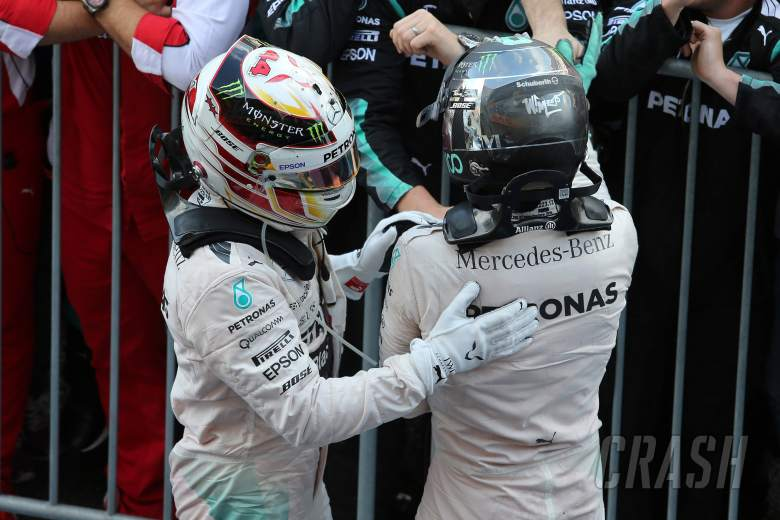 Hamilton unconcerned by Mercedes axe threat