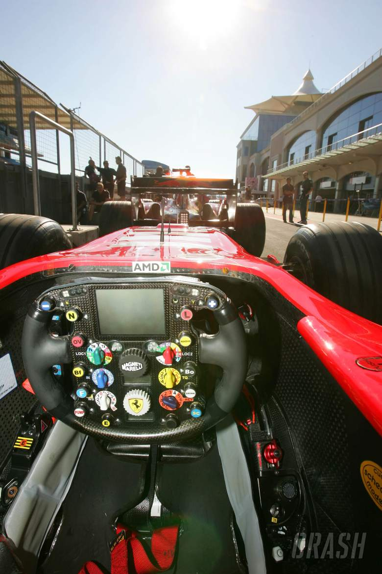 Exploring the F1 steering wheel | Feature | Crash