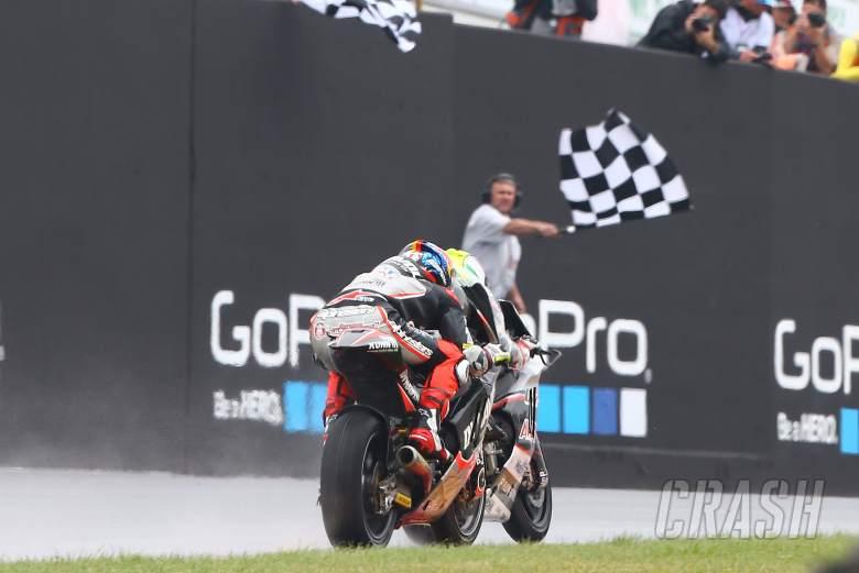 Moto2: Zarco wins wet Folger battle - Rins, Lowes fall