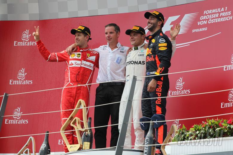 F1: 09.07.2017- podium, winner Valtteri Bottas (FIN) Mercedes AMG F1 W08, 2nd Sebastian Vettel (GER) Scu