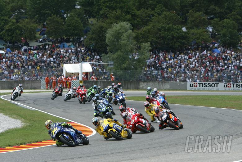 Rossi leads Italian MotoGP, 2004