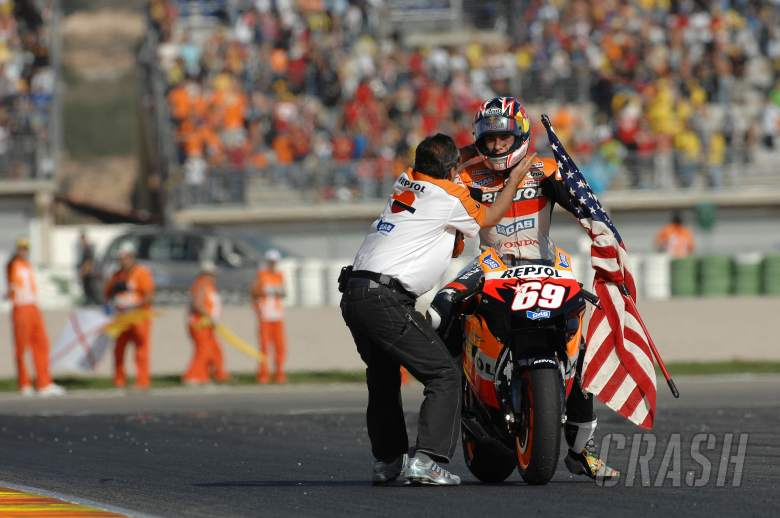 , - Hayden world champion, Valencia MotoGP Race 2006