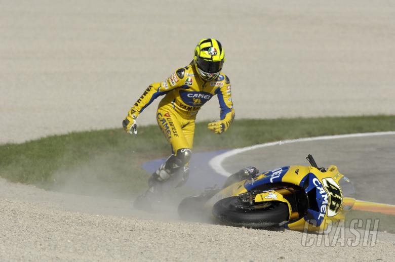 Rossi falls - loses world championship, Valencia MotoGP Race 2006