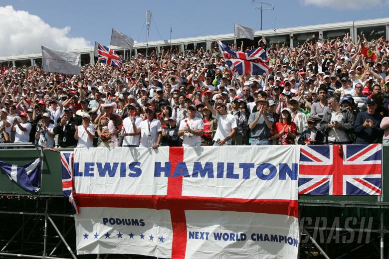 , - Lewis Hamilton fans.British Formula One Grand Prix.Silverstone, UK.July 8th 2007.