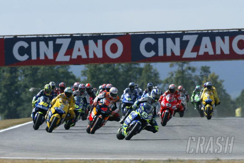 Gibernau leads 1st lap, Czech MotoGP, 2004,