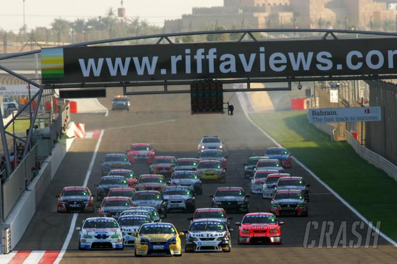 , - Start race 3Desert 400Rd 12 V8 SupercarsBahrain Int circuitBahrain
