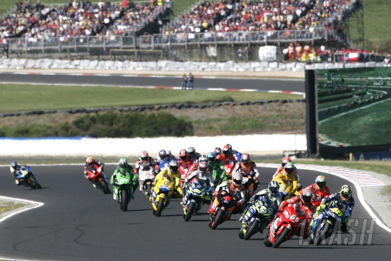 : Start, Australian MotoGP, 2004