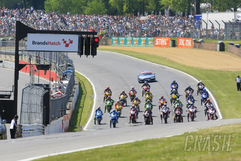 , - Race one starting grid, lights out