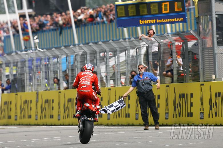 Stoner takes chequered flag, Dutch MotoGP 2008