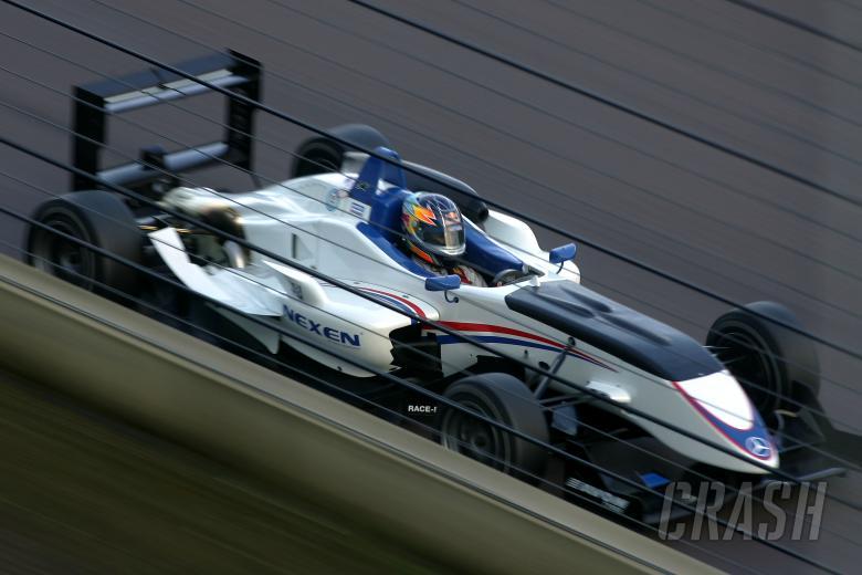 Oli Oakes (GBR) - Carlin Motorsport Dallara Mercedes