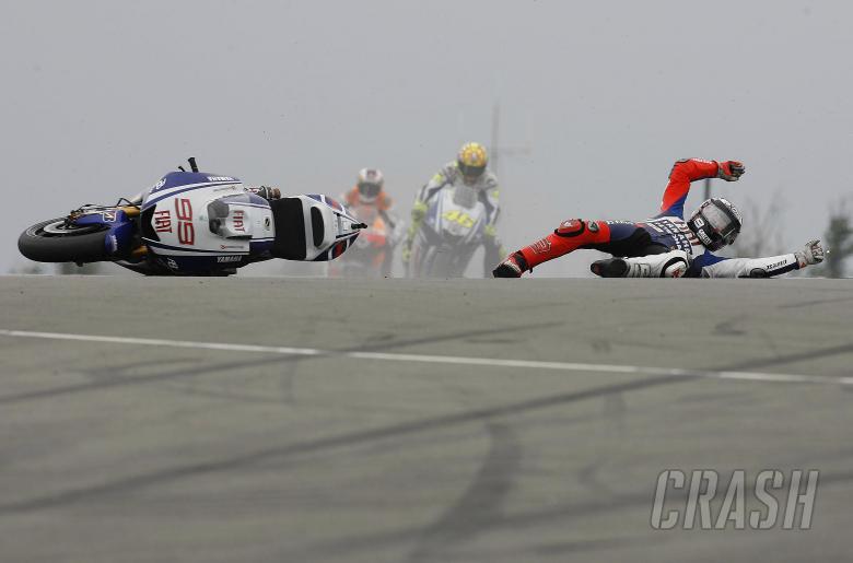 , - Lorenzo crash, British MotoGP 2009