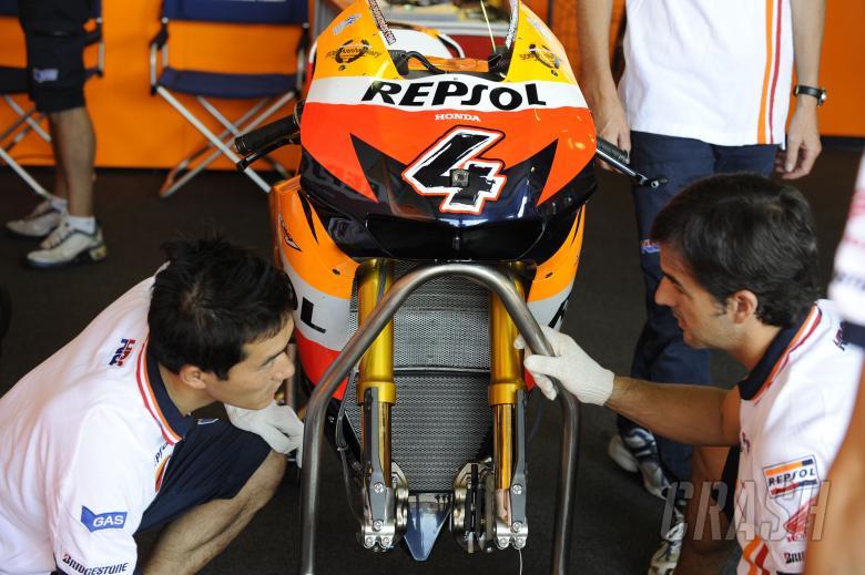 Honda with Ohlins forks, Brno MotoGP Test 2009