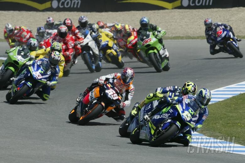 Gibernau, Rossi, Hayden etc, start, Spanish MotoGP Race, 2005