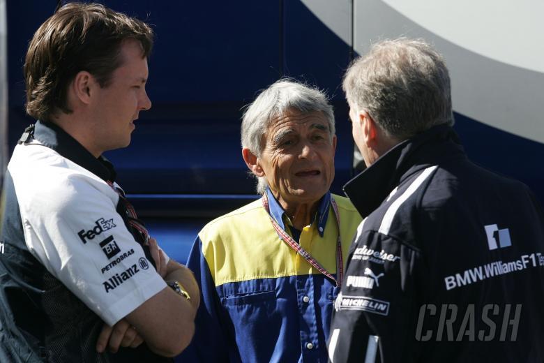 Sam Michael, Pierre Dupasquier and Patrick Head at the Spanish Grand Prix