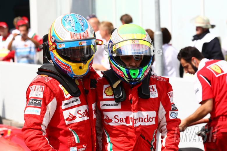 Qualifying, Fernando Alonso (ESP), Scuderia Ferrari, F10 and Felipe Massa (BRA), Scuderia Ferrari, F
