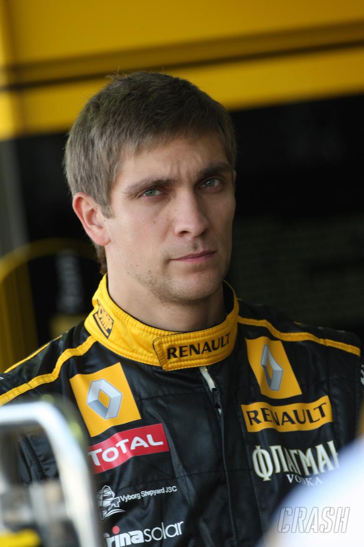Friday Practice 1, Vitaly Petrov (RUS), Renault F1 Team, R30