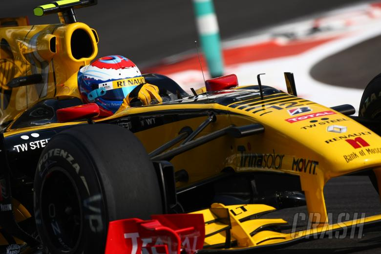 Saturday Practice, Vitaly Petrov (RUS), Renault F1 Team, R30