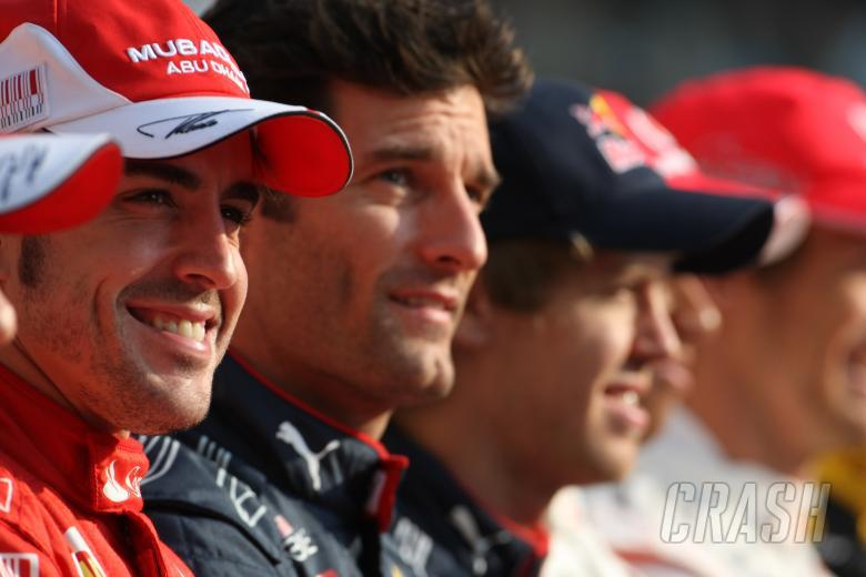 Sunday, Fernando Alonso (ESP), Scuderia Ferrari, F10, Mark Webber (AUS), Red Bull Racing, RB6 and Se