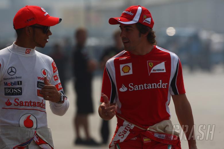 14.04.2011- Lewis Hamilton (GBR), McLaren Mercedes, MP4-26 and Fernando Alonso (ESP), Scuderia Ferr