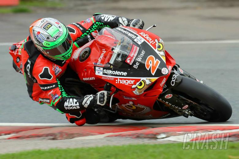 Irwin edges Dixon in FP2, Haslam P6