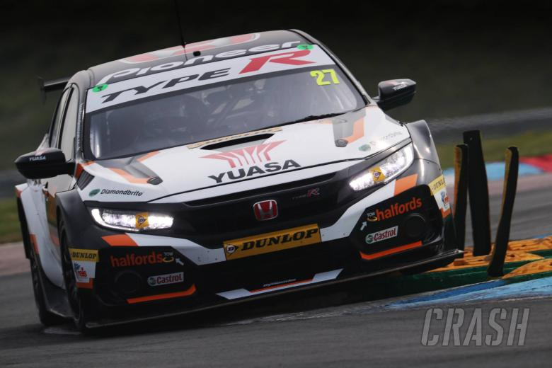 Cammish leads Honda 1-2 in second practice