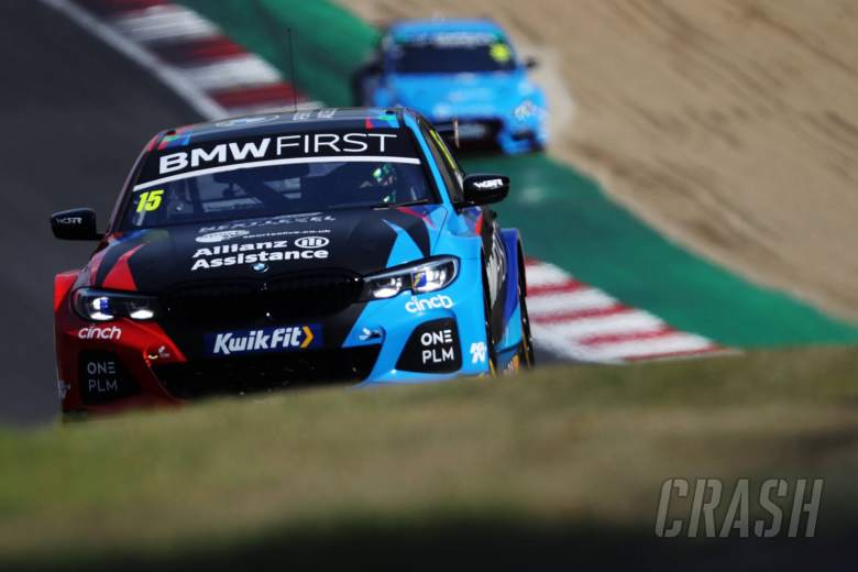 Oliphant fends off Sutton for first BTCC win